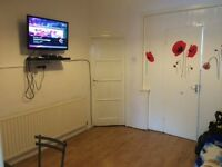 One bedroom in East ham / AVAILABLE NOW / 0208 514 5737
