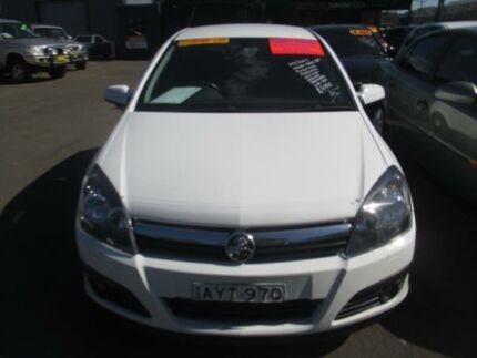 2006 Holden Astra AH MY07 CDTI White 6 Speed Automatic Hatchback Tuggerah Wyong Area Preview