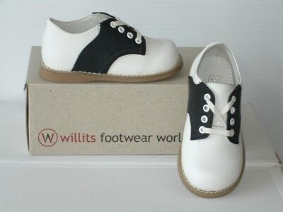 Black and White Willits Chris saddle shoe children/toddler sizes 10-12 widths