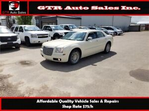 2010 Chrysler 300 Touring *LOW MILEAGE, NEW TIRES,VERY CLEAN*