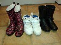 GIRLS x2 PAIRS OF BOOTS & x1 PAIR OF TRAINERS