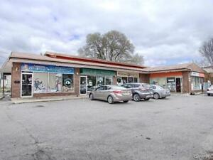4 units commercial property in Gatineau with grocery store busin