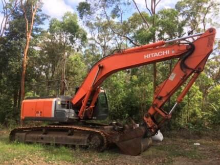 Excavator Hitachi ZX270LC-3