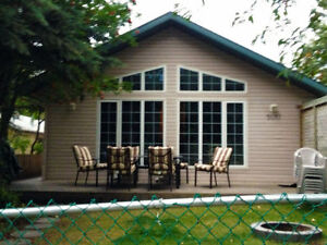 Sylvan Lake Weekly Vacation Home