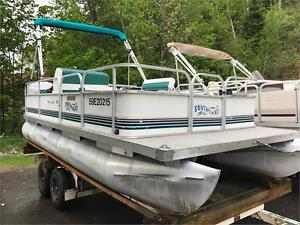 ***NEW ARRIVAL*** 18' SOUTHLAND PONTOON - NEW INTERIOR