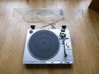 Hitachi HT 41S Turntable with 2 diamond stylus