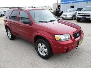 2006 FORD ESCAPE LIMITED 4WD, HEATED SEATS, SUNROOF, $5,450