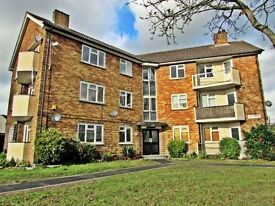 2 Bedroom Spacious Flat in Loughton for rent- Walking distance from Undergound Stations