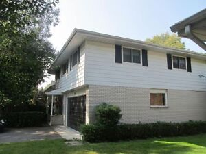 Executive Furnished Family Home - 143 Fairway Hills