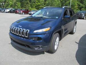 2018 Jeep Cherokee North 4x4 w/Trailer tow pkg + 0%
