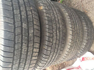 LT 265/75 R 16 SUMMER TIRES WITH FORD RIMS