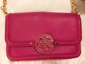 Authentic Tory Burch Bag - Perfect Condition & Barely Used Kitchener / Waterloo Kitchener Area image 3