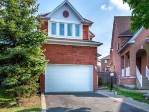 Very Well Maintained 3 Bedroom Detached In Convenient Location.