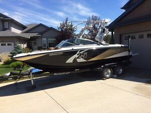 2012 Mastercraft x25 with Power Tower & speakers low hours