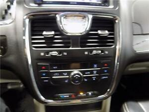 2014 Chrysler Town & Country Touring Sarnia Sarnia Area image 6