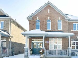 ***GORGEOUS FREEHOLD END UNIT 3 BEDROOM TOWNHOUSE IN BRAMPTON***