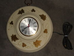 VINTAGE OXFORD METAL SPINNING CO. ELECTRIC WALL CLOCK - WORKING