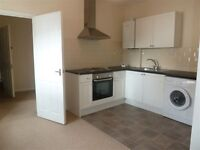 Spacious Studio within Walking Distance to Raynes Park Station