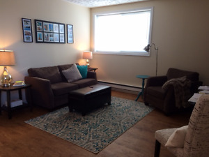 SPACIOUS 1 BEDROOM DOWN TOWN WATERFRONT