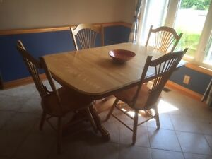 Ensemble table et chaises- Canadel / Dinning set table and chair