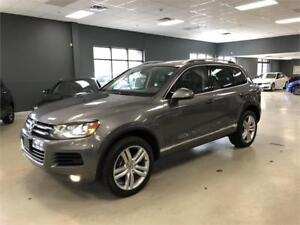 2013 Volkswagen Touareg Execline*FULLY LOADED*NAV*BACK-UP CAM*