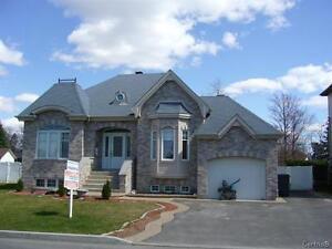 Bachelor ou appartement 3 1/2 a louer a Blainville.