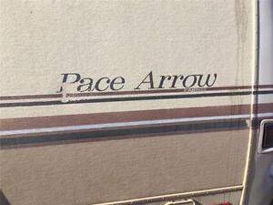 1983 Fleetwood Pace Arrow P30 under 100,000 km!!