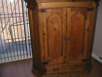 DEMENAGE 12-juin!! -Pin Massif / Solid Pine- Hutch.