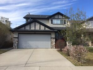 House for rent in Cimarron Park Close, Okotoks, Alberta.  Furnis