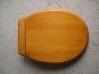 TOILET SEAT PIANO VARNISH FINISH USED BUT AS NEW £10