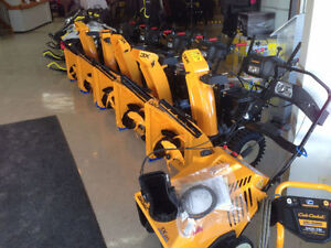 "Cub Cadet 21"" Snow Thrower Stratford Kitchener Area image 2"