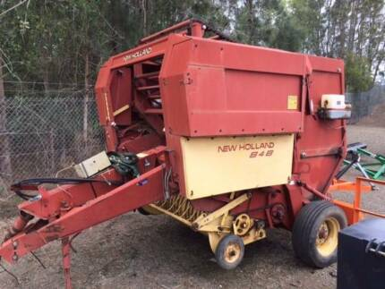 NEW HOLLAND 848 BALER (T)