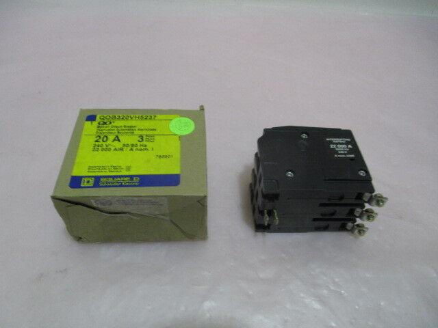 AMAT 0680-01570, Square D QOB320VH5237, 3 Pole Circuit Breaker, 22KA. 418671
