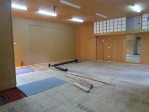 1,000 sq foot Storage w' 8 ft overhead door, PARKING