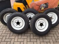 Land rover Defender wheels & tyres - 5 x in great condition with nearly new condition Michelin tyres