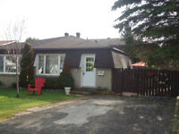 4 Bedroom / 2 Bathroom House Close to Sault College