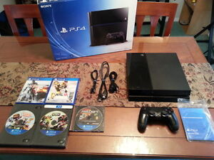 PLAYSTATION PS4 500GB WITH MANY GREAT GAMES IN BOX
