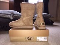 Genuine Ladies Ugg Boots new in box / size 7