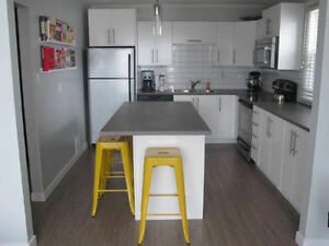 2 Bedroom Apartment Downtown Available Immediately.