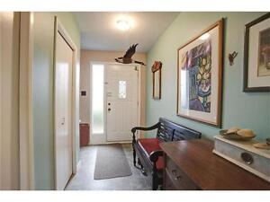 Fabulous Home Situated in a Mature Neighbourhood!