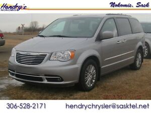 2016 Chrysler Town & Country Touring w Leather