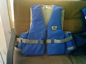 Mustang L/XL Adult  PFD 4 Sale