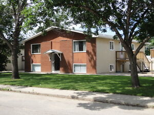 EAST HILL 2 BEDROOM SUITE WITH DECK OFF KITCHEN, $850