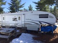 Fifth wheel 29' Outback