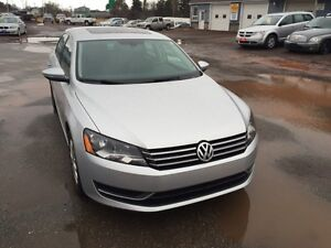 2012 Volkswagen Passat 2.5L  MUST SEE BEAUTIFUL CAR FULLY LOADED