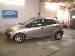2011 Mazda Mazda2 GX 5 vit bas millage 57000km