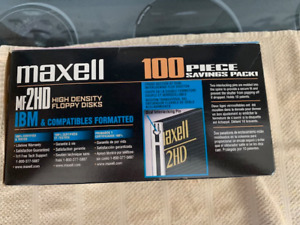 Maxell MF 2HD High Density Formatted Floppy Discs.