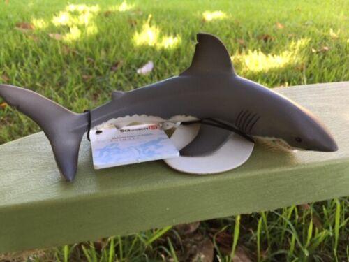 GREAT WHITE SHARK by Schleich; toy/16092/ RETIRED