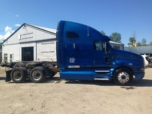 Parting out 2006 KENWORTH T2000