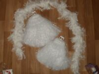 PAIR OF DANCE POM-POMS AND FEATHER BOA